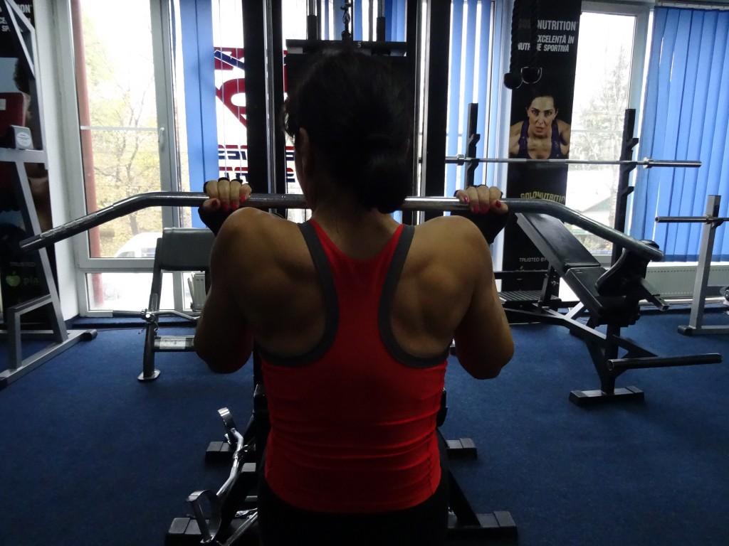 Exercitii fitness pentru spate